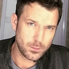 Wil Traval Image
