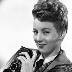 Evelyn Keyes Image