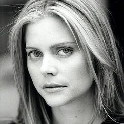 Sophie Lee Image