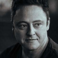 Simon Maiden Image
