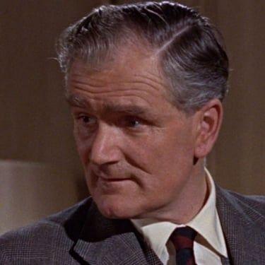 Desmond Llewelyn