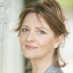Yvonne O'Grady Image