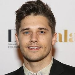 Andy Mientus Image
