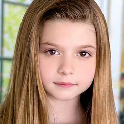 Chloe Perrin Image