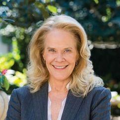 Julie Araskog Image