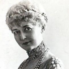 Helen Lowell Image