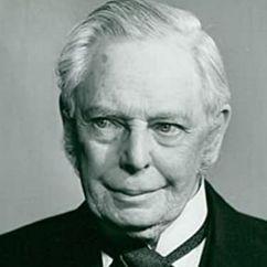 Oliver Johnston Image