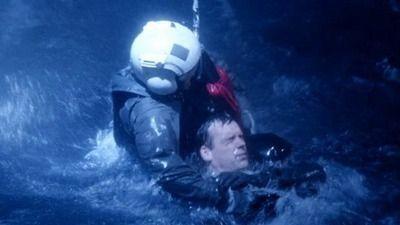 Season 07, Episode 01 Adrift (2)