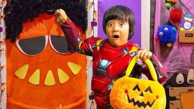 Season 03, Episode 04 Ryan's Homemade Halloween!