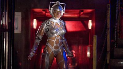 Season 01, Episode 04 Cyberwoman