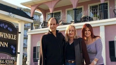 Season 02, Episode 07 Periwinkle Inn