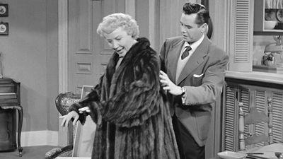 Season 01, Episode 09 The Fur Coat