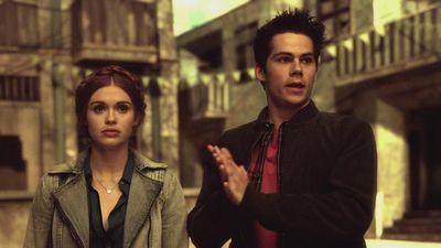 Season 04, Episode 01 The Dark Moon