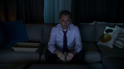 Season 07, Episode 01 Bond