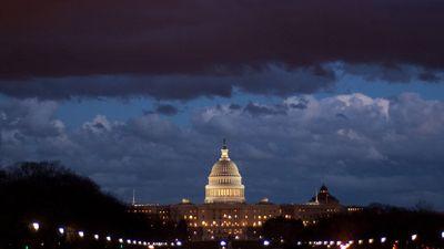 Season 2018, Episode 03 Government shutdown looms over Washington Friday night