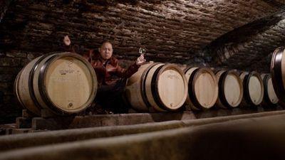 Season 03, Episode 04 Burgundy