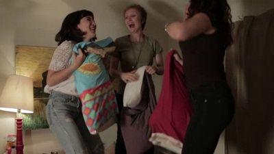 Season 01, Episode 07 Girlz Night