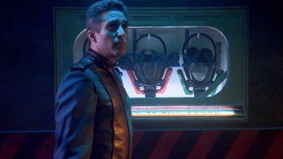 Season 01, Episode 01 Midnight on the Firing Line