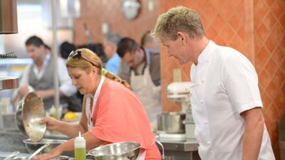 Season 11, Episode 01 20 Chefs Compete (I)