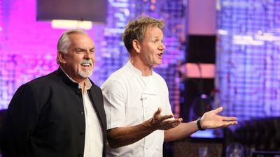 Season 14, Episode 07 12 Chefs Compete