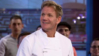 Season 14, Episode 01 18 Chefs Compete
