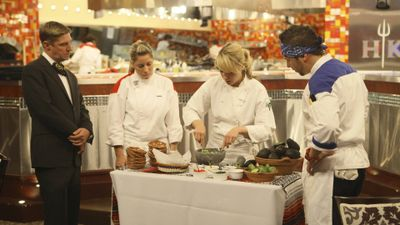 Season 10, Episode 05 14 Chefs Compete