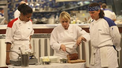 Season 10, Episode 04 15 Chefs Compete