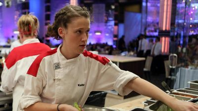 Season 13, Episode 05 14 Chefs Compete