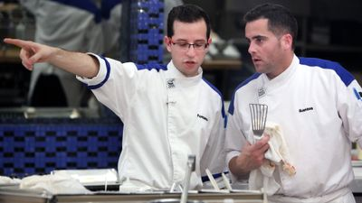 Season 13, Episode 04 15 Chefs Compete
