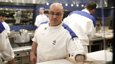 Season 15, Episode 03 16 Chefs Compete