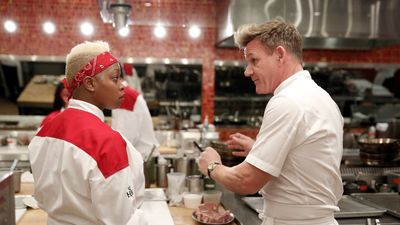 Season 15, Episode 06 12 Chefs Compete