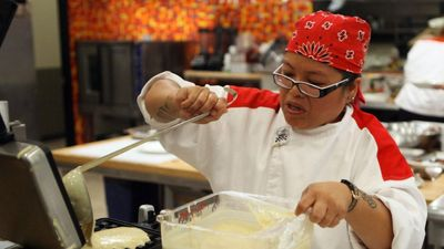 Season 12, Episode 05 16 Chefs Compete