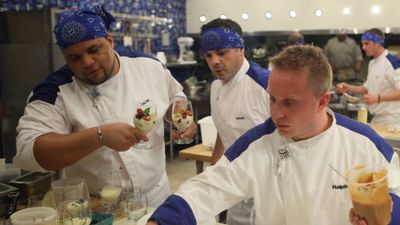Season 12, Episode 06 15 Chefs Compete