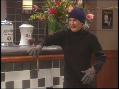Season 08, Episode 03 Roseanne in the Hood
