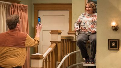 Season 10, Episode 03 Roseanne Gets the Chair