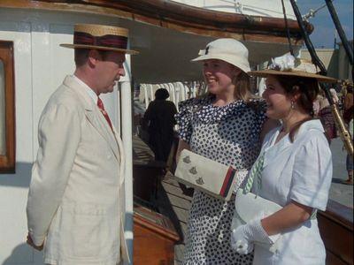 Season 01, Episode 07 Problem at Sea
