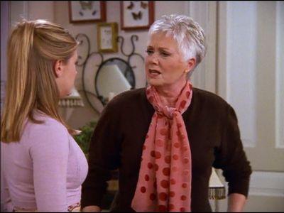 Season 04, Episode 04 Little Orphan Hilda