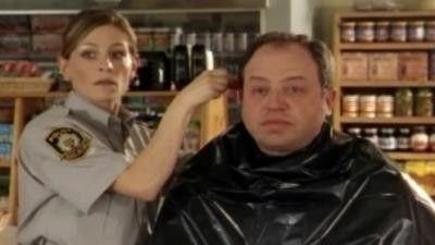 Season 04, Episode 01 Hair Comes The Judge