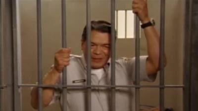 Season 04, Episode 06 Jail House