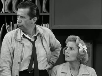 Season 01, Episode 04 Washington vs. the Bunny