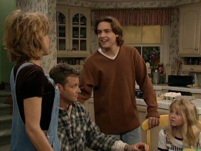 Season 04, Episode 20 Security Guy