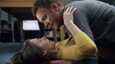 Season 02, Episode 09 Conspiracy Theories and Interior Design