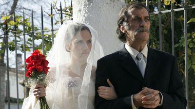 Season 04, Episode 10 Érase un par de bodas