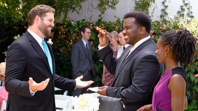 Season 09, Episode 02 Roy's Wedding