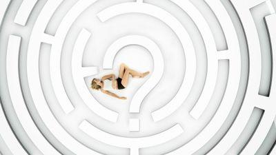 Season 01, Episode 04 Live Nude Girl