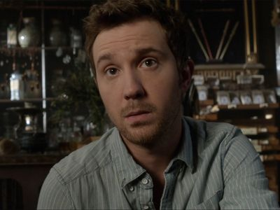 Season 03, Episode 01 It's a Shame About Ray