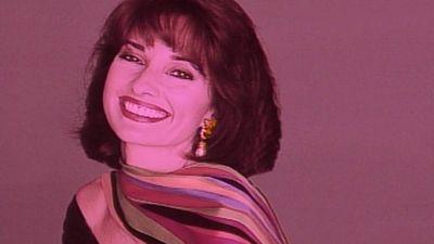 Season 16, Episode 02 Susan Lucci/Hothouse Flowers