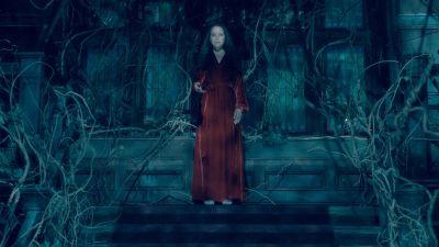 Season 01, Episode 10 Silence Lay Steadily