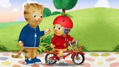 Watch SHOW TITLE Season 08 Episode 08 Daniel's Bicycle / Katerina's Magic Trick