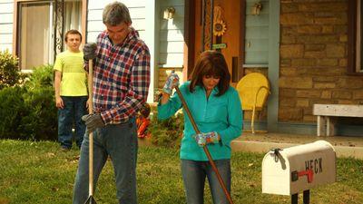 Season 09, Episode 02 Please Don't Feed the Hecks